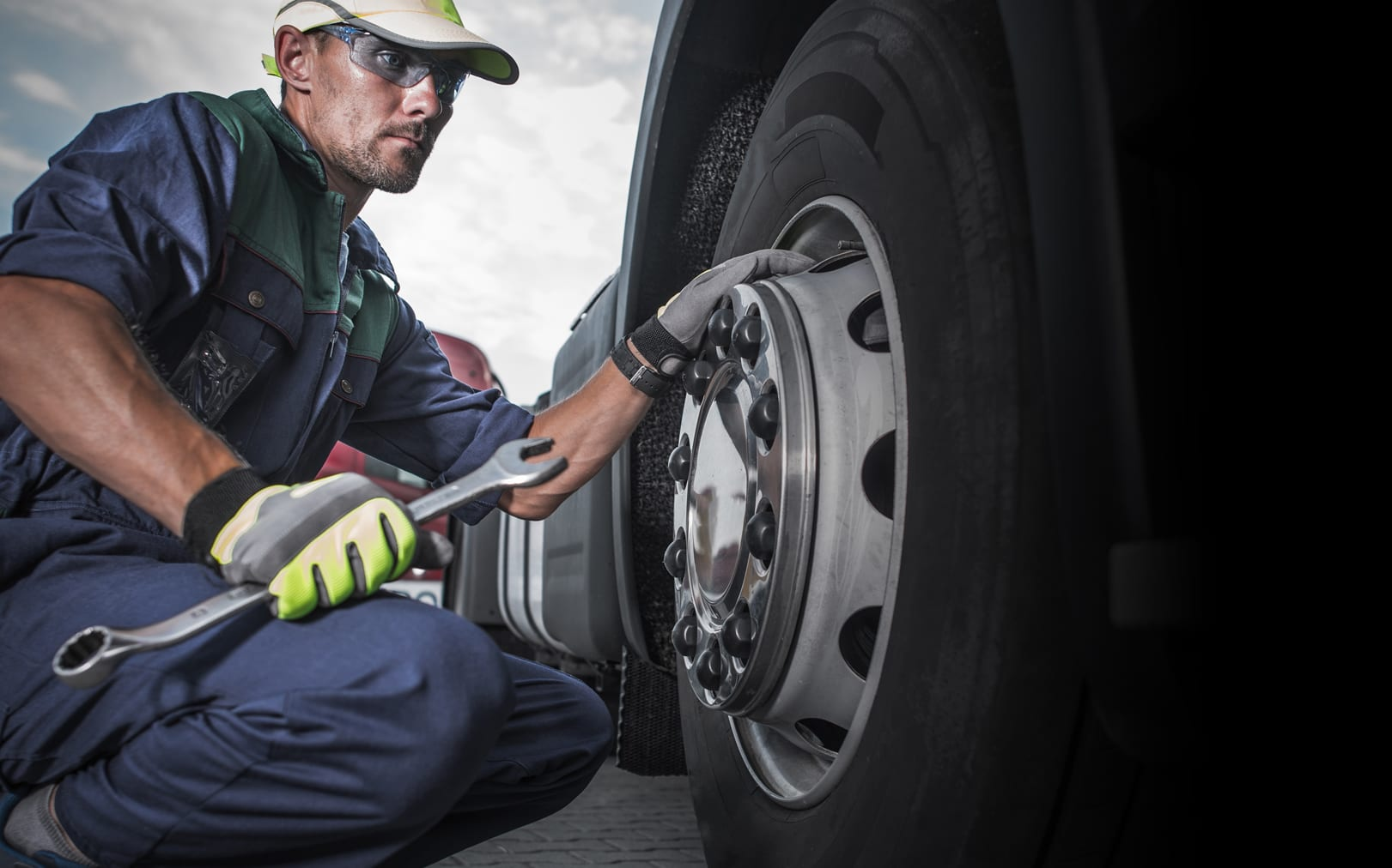 Semi Truck Wheel Maintenance
